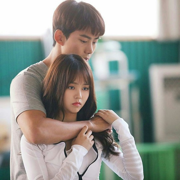 Kim So Hyun và Taecyeon có dịp hợp tác trong bộ phim 'Chiến Nào Ma Kia'.