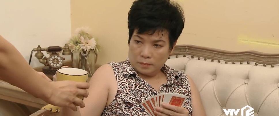 'Hoa hồng trên ngực trái': Tưởng mẹ Khuê cuỗm mất 5 tờ vé số, fan sợ đến 'đau tim' 0