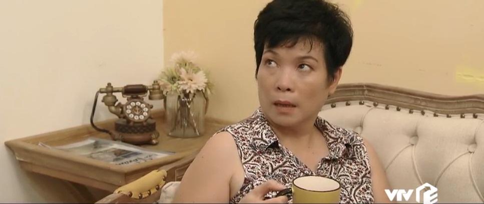 Đã rơi vào hoàn cảnh nghèo khó nhưng mẹ Khuê vẫn không chịu thay đổi.