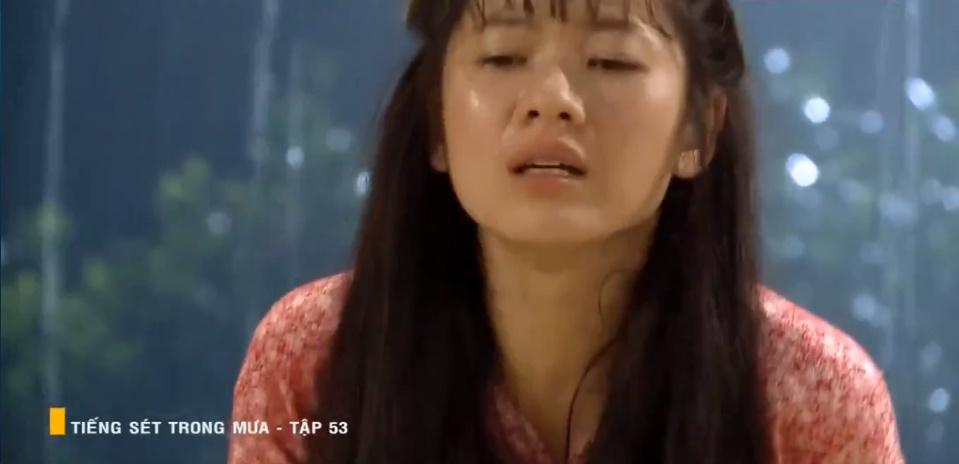 'Tiếng sét trong mưa' tập 53: Oan nghiệt không chừa một ai, Phượng và Ba Xuân cũng bỏ mạng trong đêm mưa gió 4