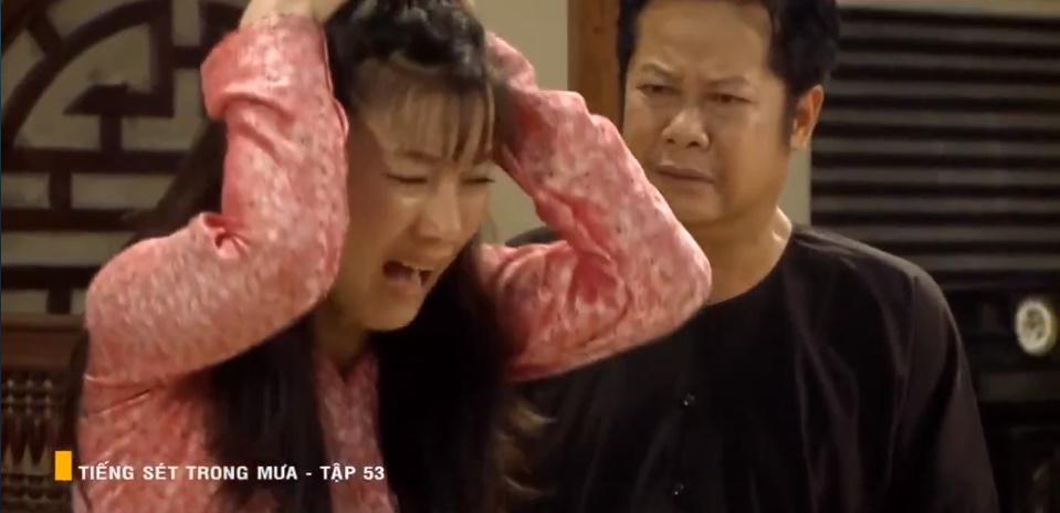 'Tiếng sét trong mưa' tập 53: Oan nghiệt không chừa một ai, Phượng và Ba Xuân cũng bỏ mạng trong đêm mưa gió 5