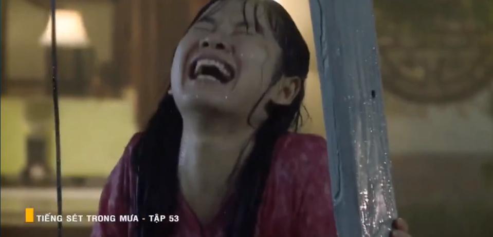 'Tiếng sét trong mưa' tập 53: Oan nghiệt không chừa một ai, Phượng và Ba Xuân cũng bỏ mạng trong đêm mưa gió 9