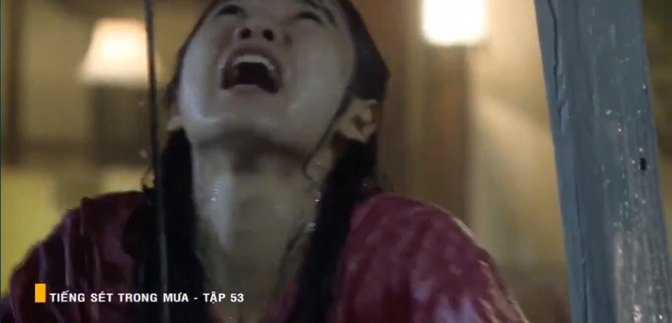 'Tiếng sét trong mưa' tập 53: Oan nghiệt không chừa một ai, Phượng và Ba Xuân cũng bỏ mạng trong đêm mưa gió 10