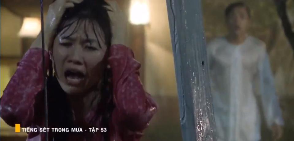 'Tiếng sét trong mưa' tập 53: Oan nghiệt không chừa một ai, Phượng và Ba Xuân cũng bỏ mạng trong đêm mưa gió 14