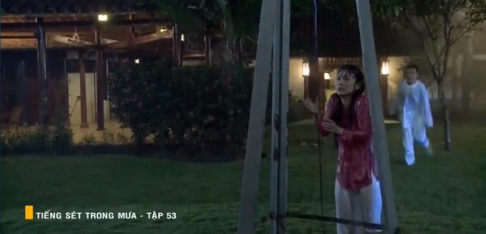 'Tiếng sét trong mưa' tập 53: Oan nghiệt không chừa một ai, Phượng và Ba Xuân cũng bỏ mạng trong đêm mưa gió 20