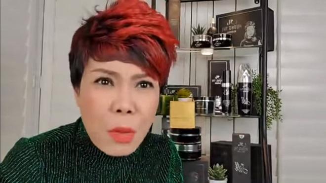 Việt Hương livestream đòi nợ: 2 tháng nữa là Tết rồi nên tôi 'dọn mỏ' luôn, chửi thẳng những người nợ nần 1