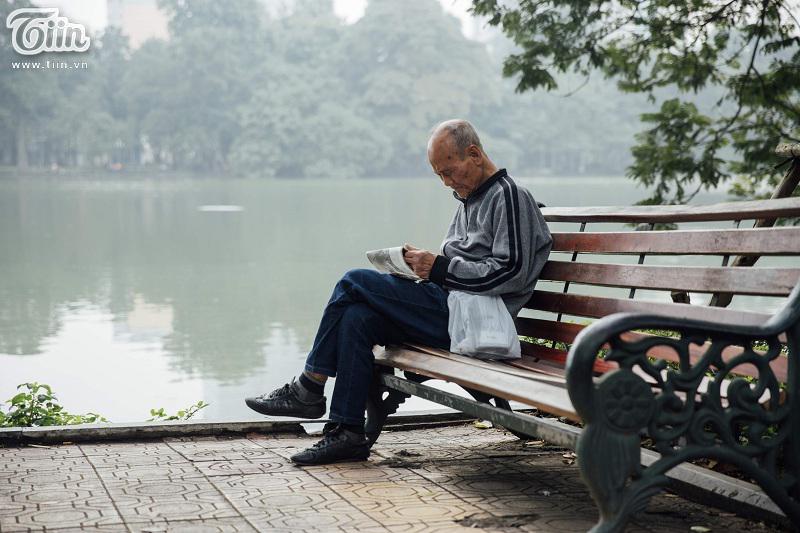 Cứ thế từ năm này qua năm khác, chỉ với những điều bình dị, giản đơn,càng khiến người ta cứ yêu, cứ gắn bó và nhung nhớ Hà Nội