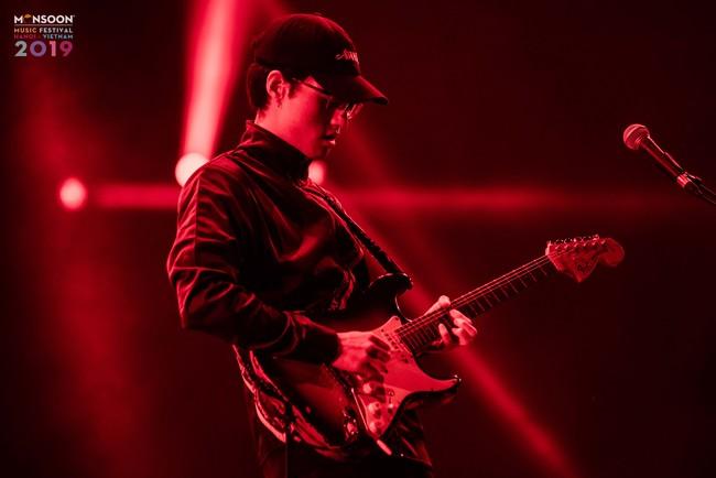 Hạ màn 'Monsoon Music Festival 2019', HYUKOH 'encore' thêm 2 bài vì khán giả cuồng nhiệt 14
