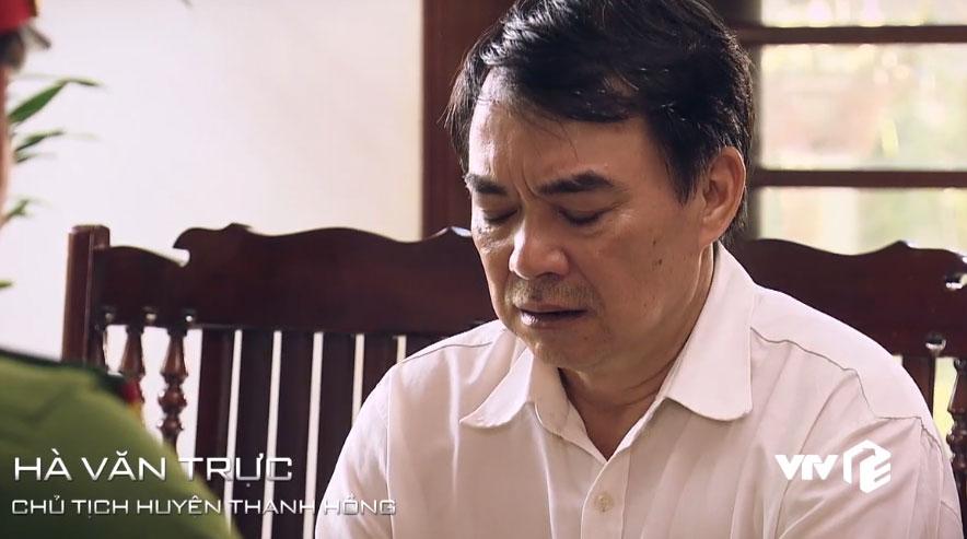 Nhân vật vắn số nhất phim, ở tập đầu tiên đã ngồi tù mọt gông.