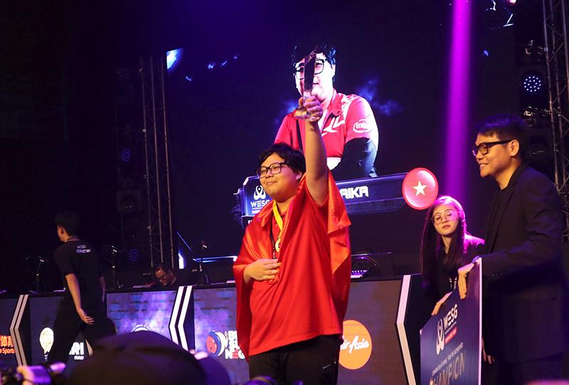 Đại diện Việt Nam giành ngôi vô địch Starcaft Đông Nam Á, tự tin bước vào vòng chung kết thế giới 0
