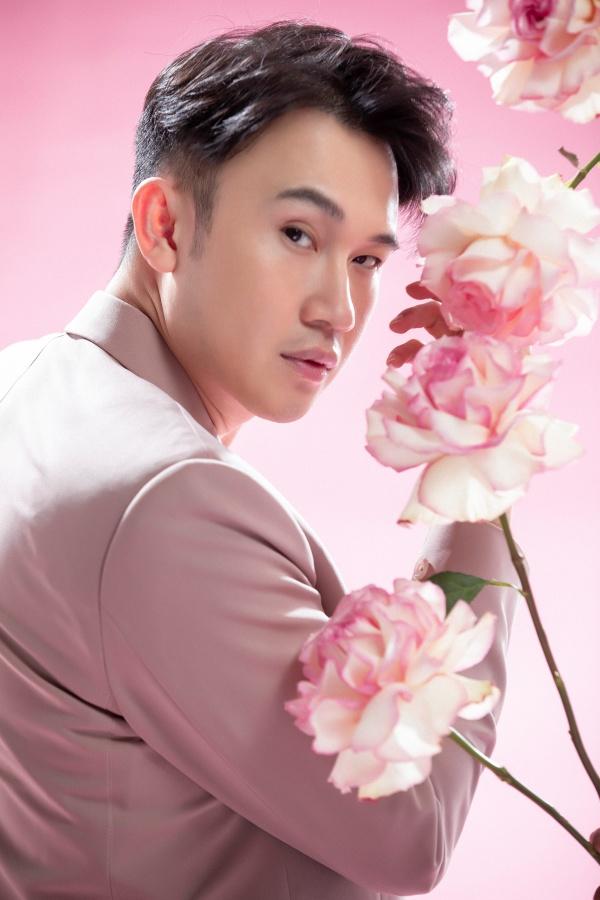 Dương Triệu Vũ 'hớp hồn' người xem với phong cách ngọt ngào tựa 'hoàng tử hoa' 2