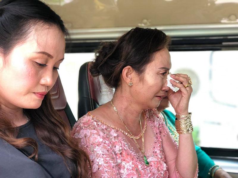 Con gái một đi lấy chồng xa, khoảnh khắc mẹ đẻ ôm cô dâu khóc nghẹn trong ngày vu quy gây xúc động 7