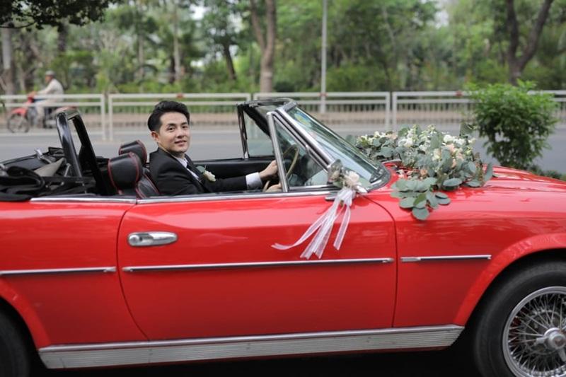 Ông Cao Thắng lái siêu xe đi rước dâu.