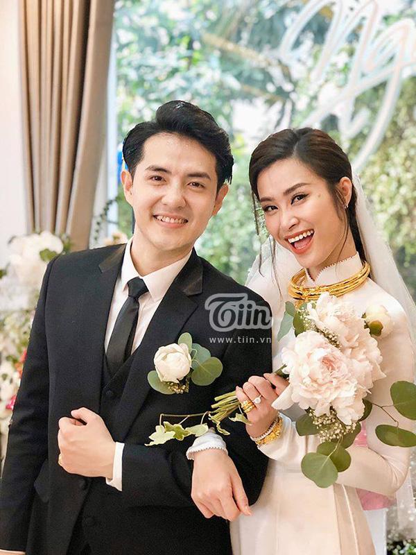 Hiện tại,mọi sự chú ý của khán giả Việt Nam đều dành cho các thông tin liên quan đến đám cưới của cặp đôi Đông Nhi - Ông Cao Thắng.