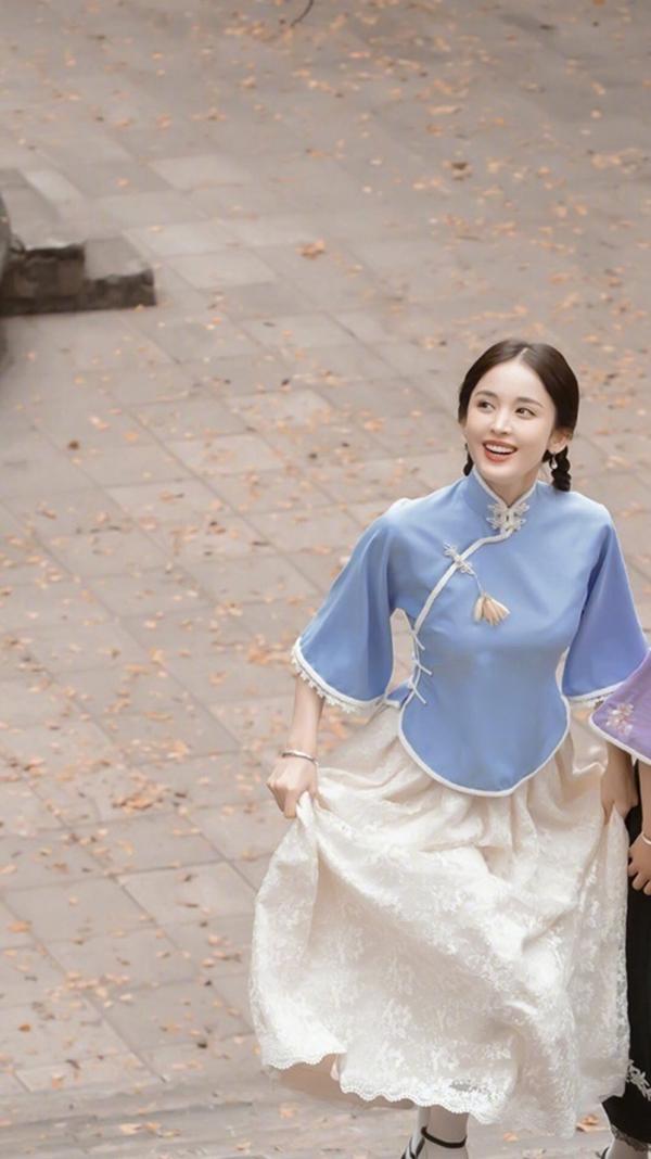 Những nữ diễn viên xứ Trung đẹp diễm lệ trong tạo hình dân quốc: Nhan sắc của hai nàng Tiểu Long Nữ 'không đùa được đâu' 3