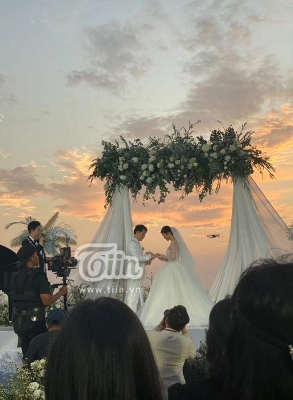 Đám cưới Đông Nhi - Ông Cao Thắng: Hạnh phúc khi thuộc về nhau, cô dâu, chú rể đều khóc 5