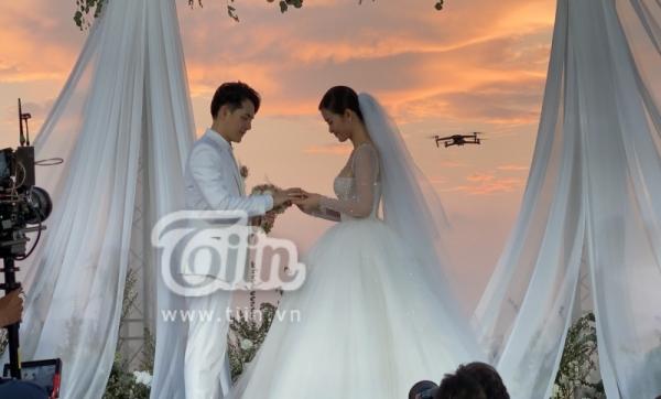 Đám cưới Đông Nhi - Ông Cao Thắng: Hạnh phúc khi thuộc về nhau, cô dâu, chú rể đều khóc 4