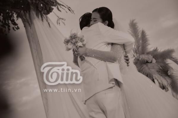 Đám cưới Đông Nhi - Ông Cao Thắng: Hạnh phúc khi thuộc về nhau, cô dâu, chú rể đều khóc 0