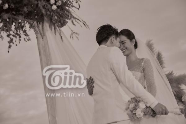 Đám cưới Đông Nhi - Ông Cao Thắng: Hạnh phúc khi thuộc về nhau, cô dâu, chú rể đều khóc 1