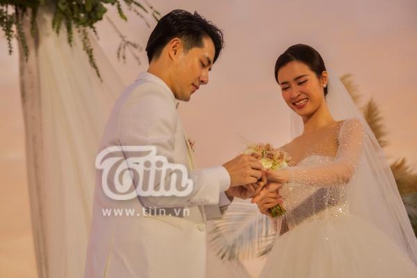 Đám cưới Đông Nhi - Ông Cao Thắng: Hạnh phúc khi thuộc về nhau, cô dâu, chú rể đều khóc 2