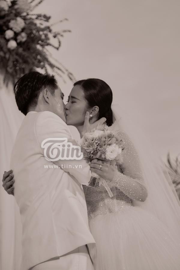 Đám cưới Đông Nhi - Ông Cao Thắng: Hạnh phúc khi thuộc về nhau, cô dâu, chú rể đều khóc 3