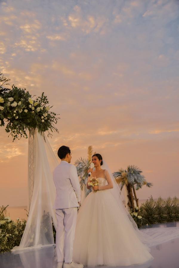 Góc đáng thương: Ăn cưới sung quá làm chi rồi làm rơi luôn mái tóc giả vậy Diệu Nhi? 0