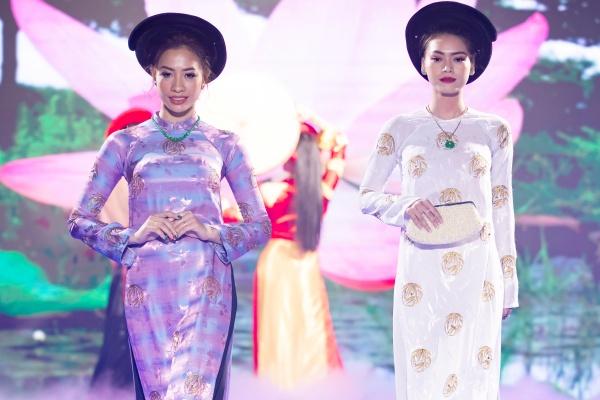 Lê Âu Ngân Anh, Mai Ngô catwalk điêu luyện trong show thời trang - âm nhạc 18