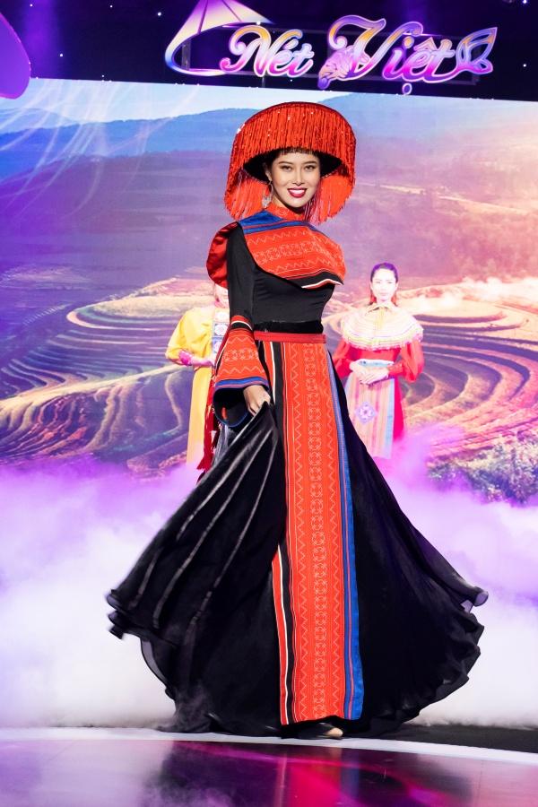 Lê Âu Ngân Anh, Mai Ngô catwalk điêu luyện trong show thời trang - âm nhạc 2