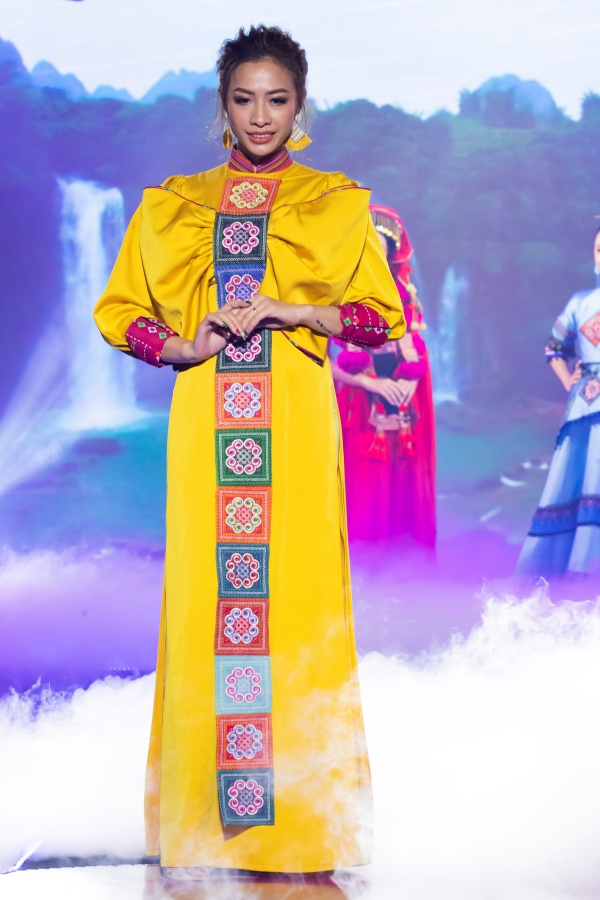 Lê Âu Ngân Anh, Mai Ngô catwalk điêu luyện trong show thời trang - âm nhạc 3