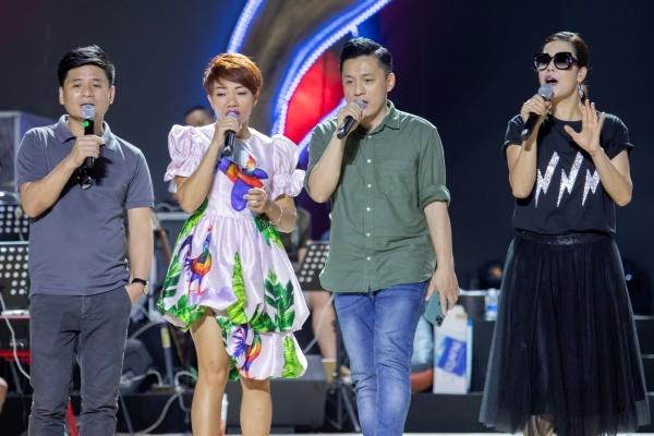 Thu Phương, Lam Trường, Hà Anh Tuấn cùng dàn nghệ sĩ tập luyện cho đêm nhạc hoành tráng 2