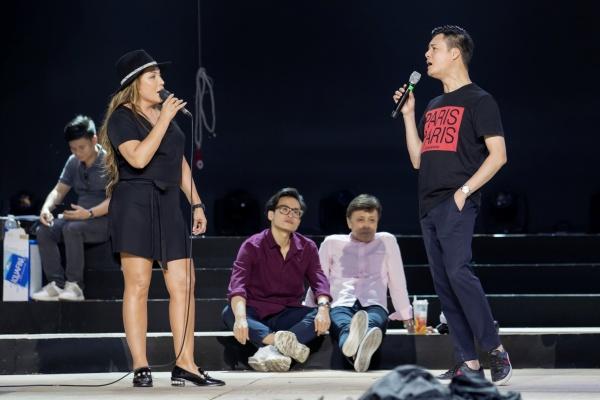 Thu Phương, Lam Trường, Hà Anh Tuấn cùng dàn nghệ sĩ tập luyện cho đêm nhạc hoành tráng 4