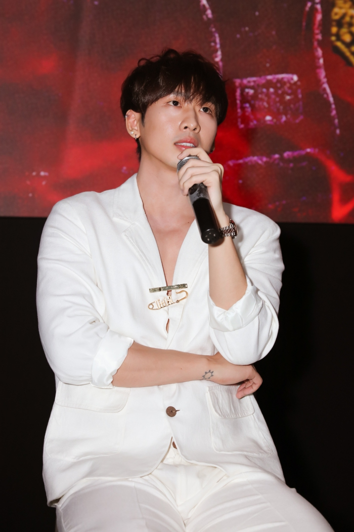 Tuấn Trần xúc động chia sẻ về lần đầu đóng phim cùng diễn viên Mai Phương 2