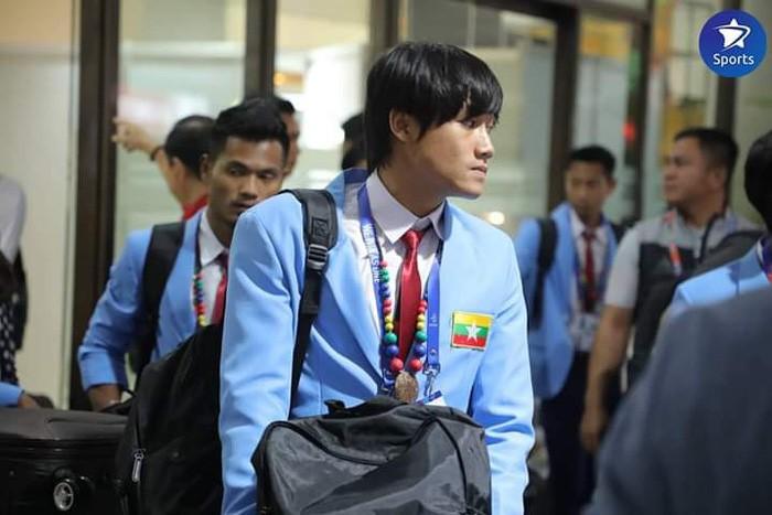 Cầu thủ Myanmar tỏ ra mệt mỏi.