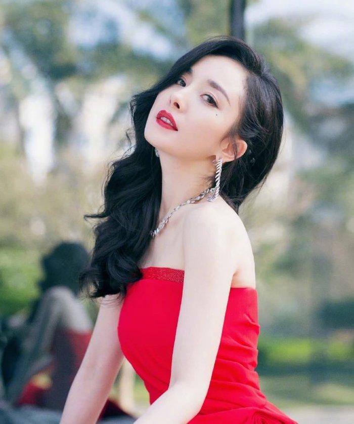 Đặng Luân chất vấn Dương Mịch: 'Giữa em với Đặng Luân, chị thích ai hơn?' 0