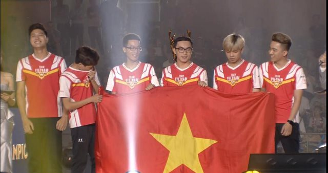 Team Flash vô địch AWC 2019