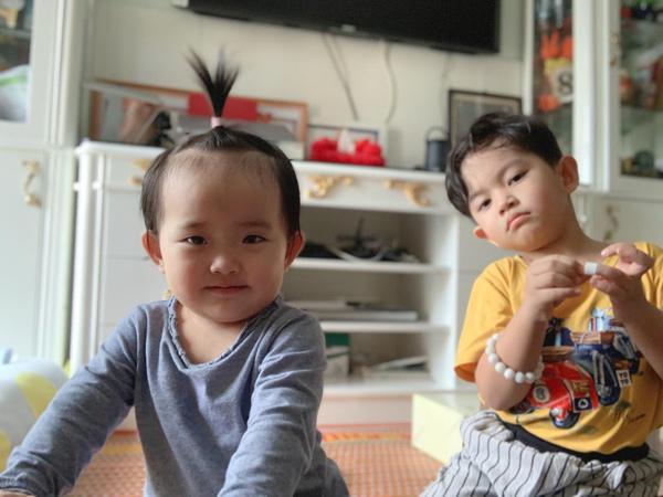 Khánh Thi tiết lộ chuyện Kubi bị em gái 'bắt nạt' 2