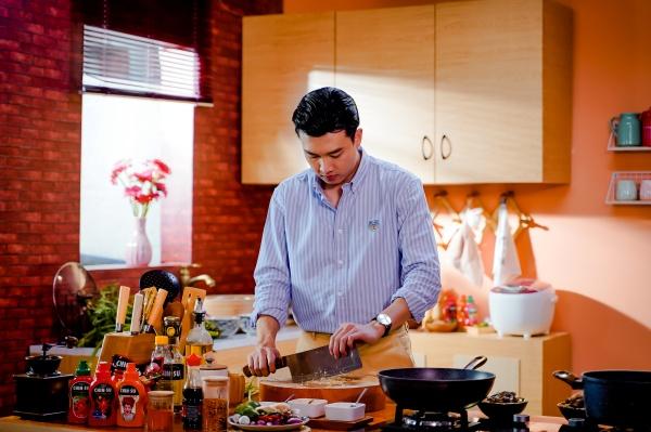 Tập 3 'Vào bếp đi con': Quốc Trường trổ tài nấu lẩu mắm miền Tây 0