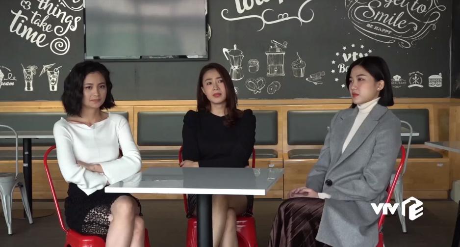 Hồng Diễm, Diệu Hương và Lương Thanh trong một buổi phỏng vấn.