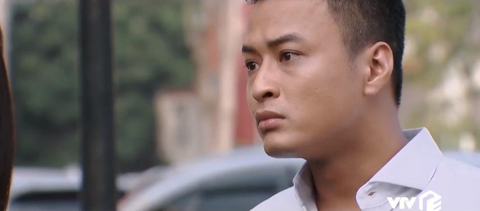 San phản đối Bảo thích Khuê vì Khuê đã qua một đời chồng, đang có hai con, vướng bận nhiều chuyện gia đình