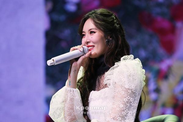 Chuyện giờ mới kể: Hyuna bật khóc trong hậu trường vì không tin được có ngày mình sẽ comeback 2