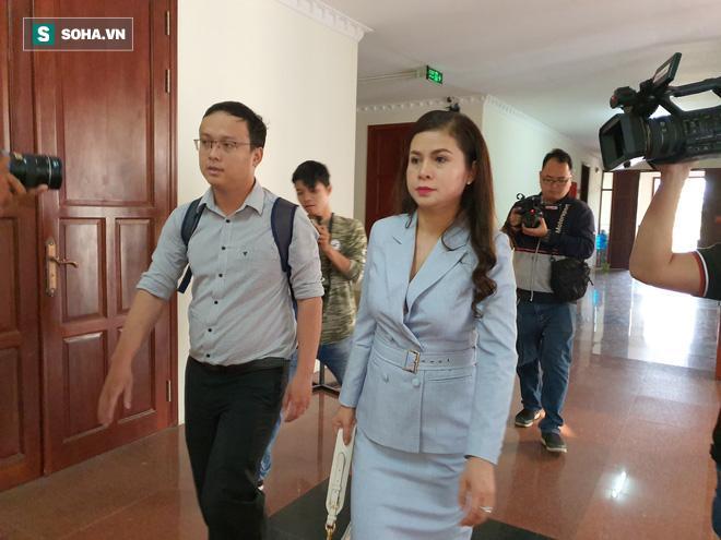 Bà Lê Hoàng Diệp Thảo trong phiên xử trước đó một ngày.