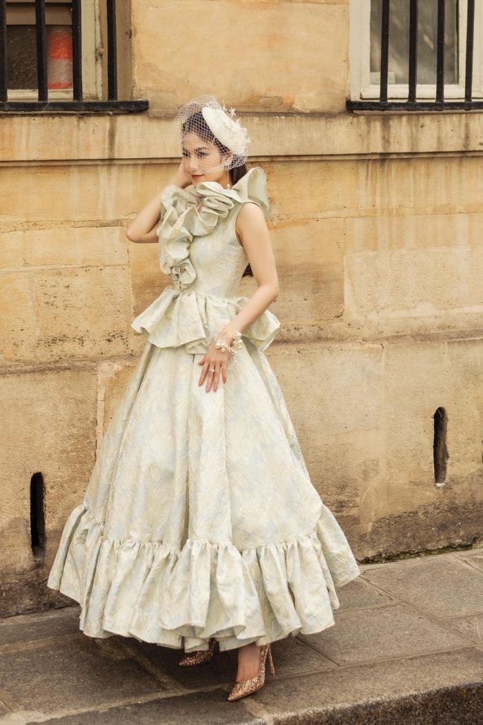 Hoa hậu Áo dài Tuyết Nga hoá quý cô thời thượng ở Paris 2
