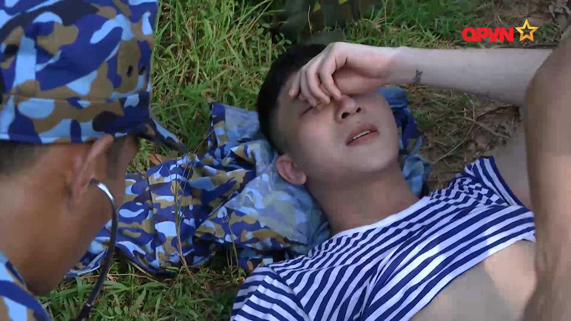 B Trần bị ngất vì kiệt sức
