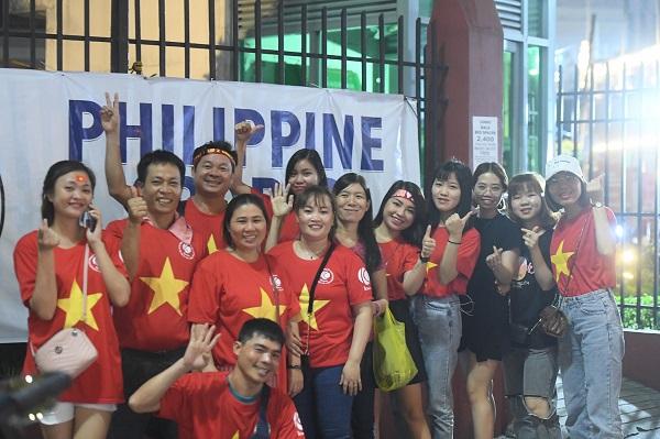 CĐV Việt Nam hy vọng thầy trò HLV Park Hang Seo sẽ tiếp tục lập kỳ tích trong trận đấu này