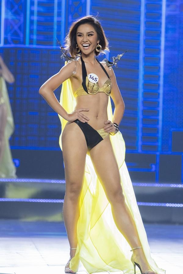 Lê Thu Trang - SBD 145 nở nụ cười rạng rỡ trên sân khấu