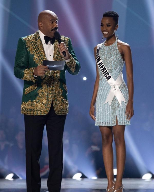 Miss Universe 2019 chọn Hoa hậu 'nuốt mic', dân mạng lại được dịp 'cà khịa' BTC 'Hoa hậu Hoàn vũ Việt Nam' 0