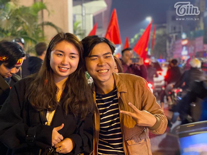 Diễn viên hài Minh Dự bất ngờ xuất hiện ở Hà Nội đi bão mừng U22 Việt Nam chiến thắng 3