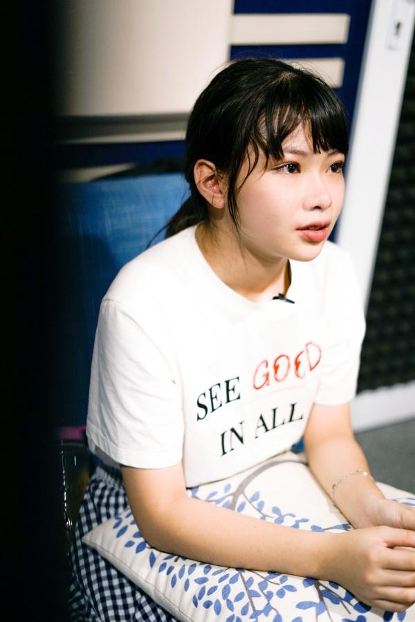 Nhóm nhạc SGO48 mang 1200 người vào MV Thất tình tích cực 5
