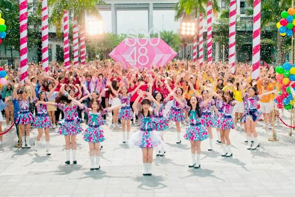 Nhóm nhạc SGO48 mang 1200 người vào MV Thất tình tích cực 4