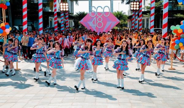 Nhóm nhạc SGO48 mang 1200 người vào MV Thất tình tích cực 1